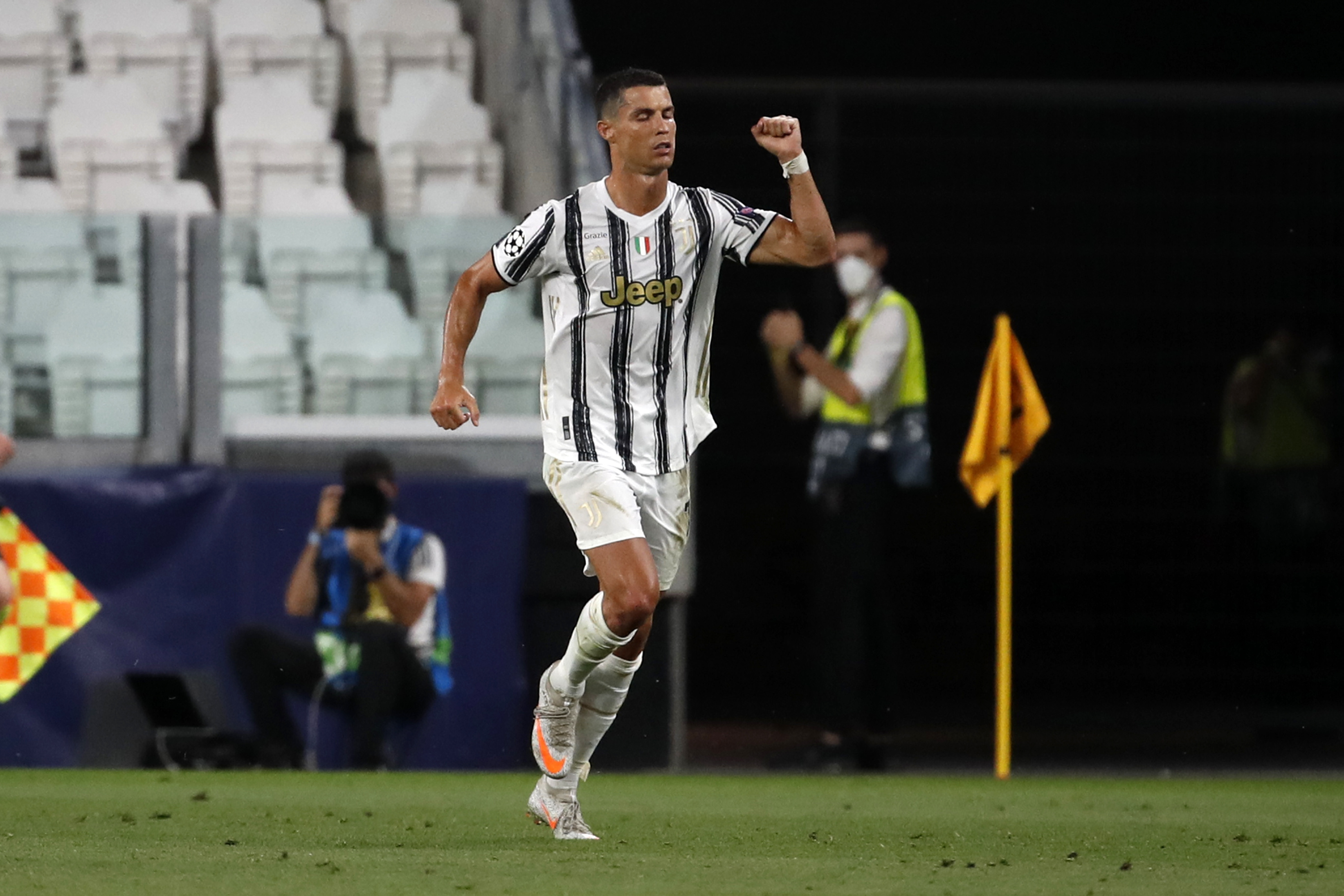 cristiano ronaldo tests positive for covid 19 boston news weather sports whdh 7news 2