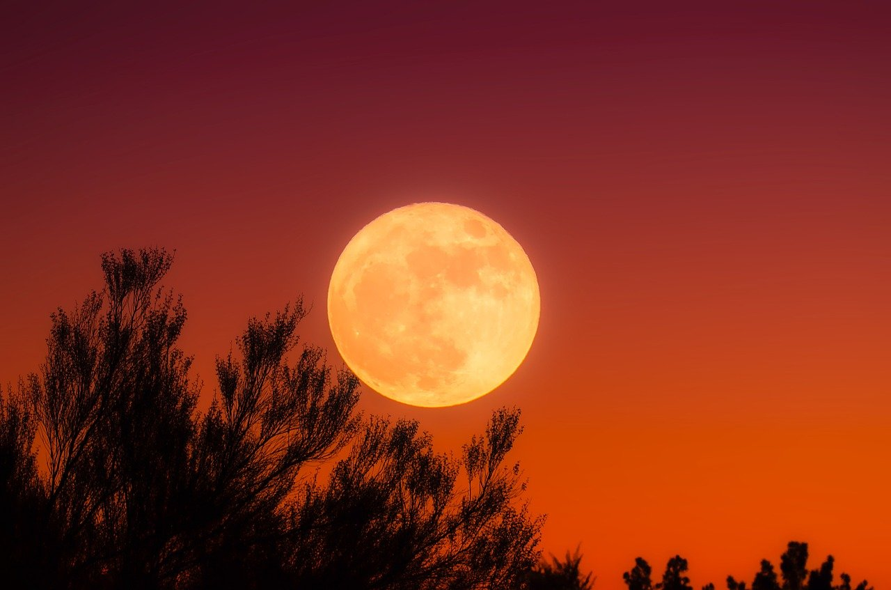 Full Moons In October Harvest Moon Tonight And A Rare Blue Moon On Halloween Boston News Weather Sports Whdh 7news