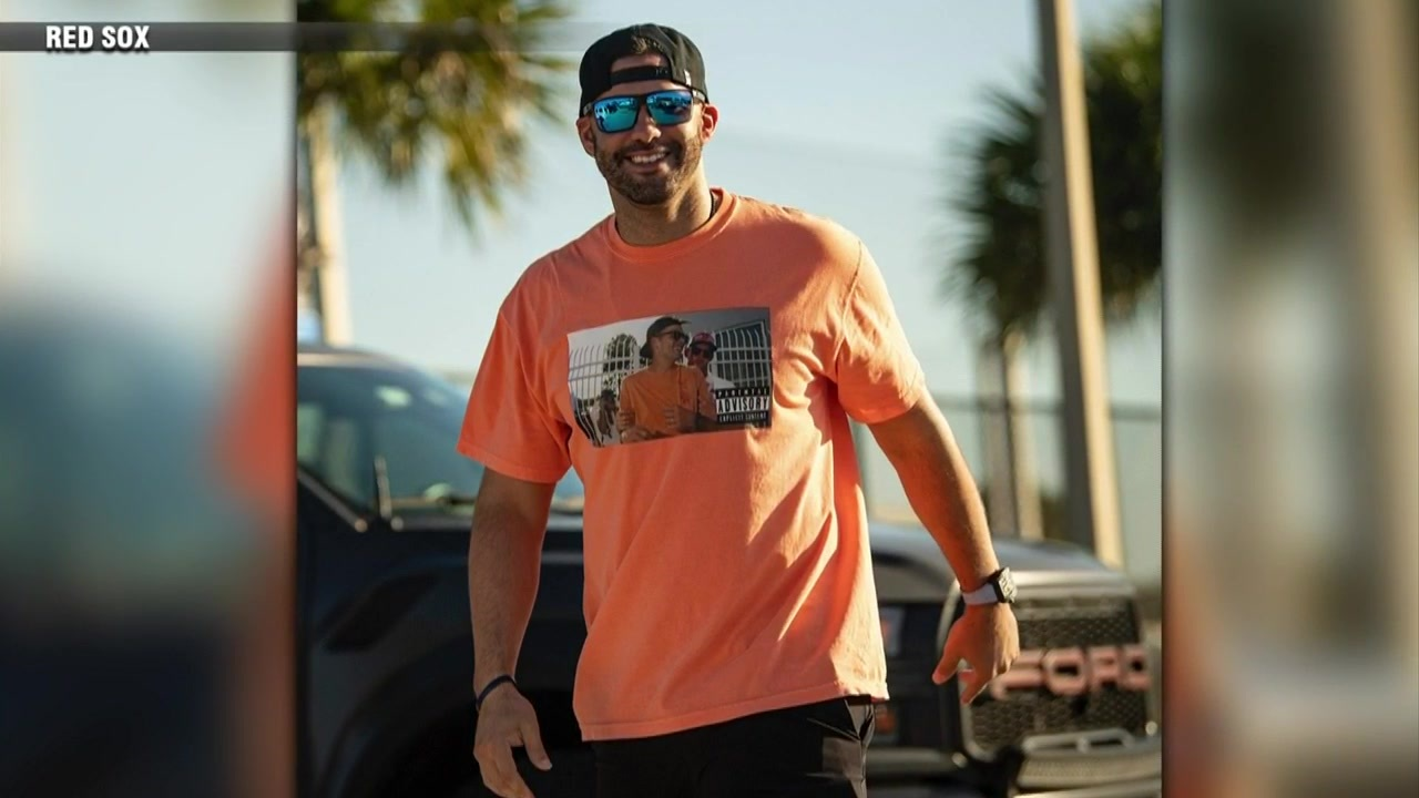 Red Sox outfielder J.D. Martinez pokes fun at Buccaneers QB Tom ...
